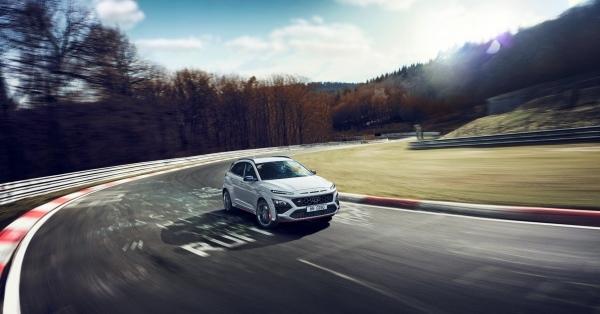 现代汽车首款高性能SUV KONA N全球首发亮相 勾画N品牌战略新蓝图
